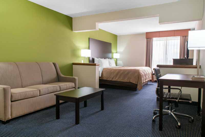 https://qualityinnanderson.com/wp-content/uploads/2017/08/standard-king-room-quality-inn-anderson-indiana.jpg